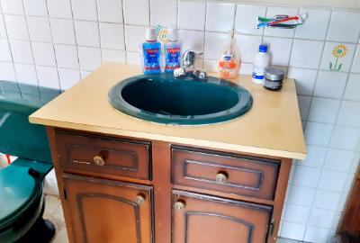 Bathroom-Banana-School